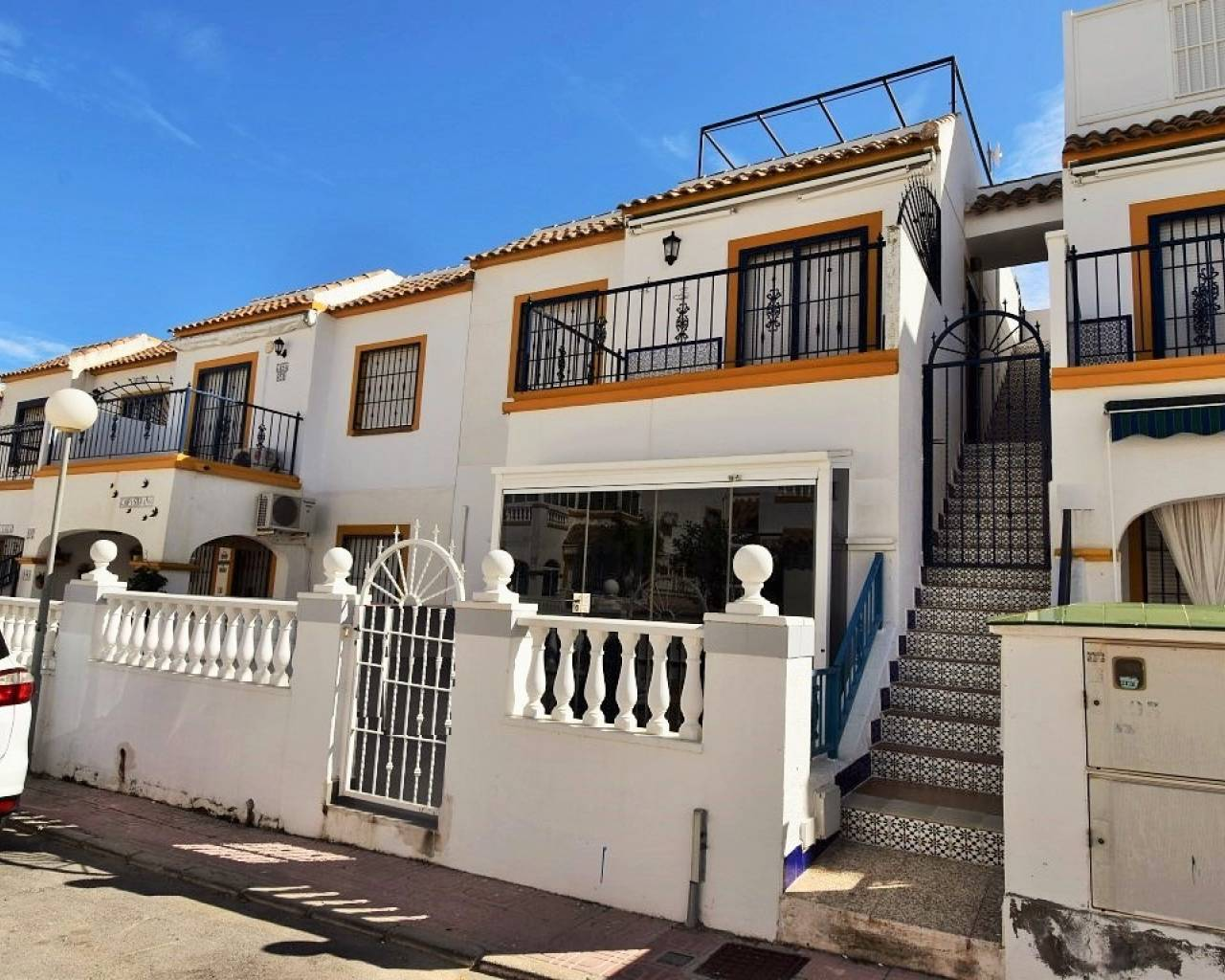 Apartment - Sale - Orihuela Costa - La Florida