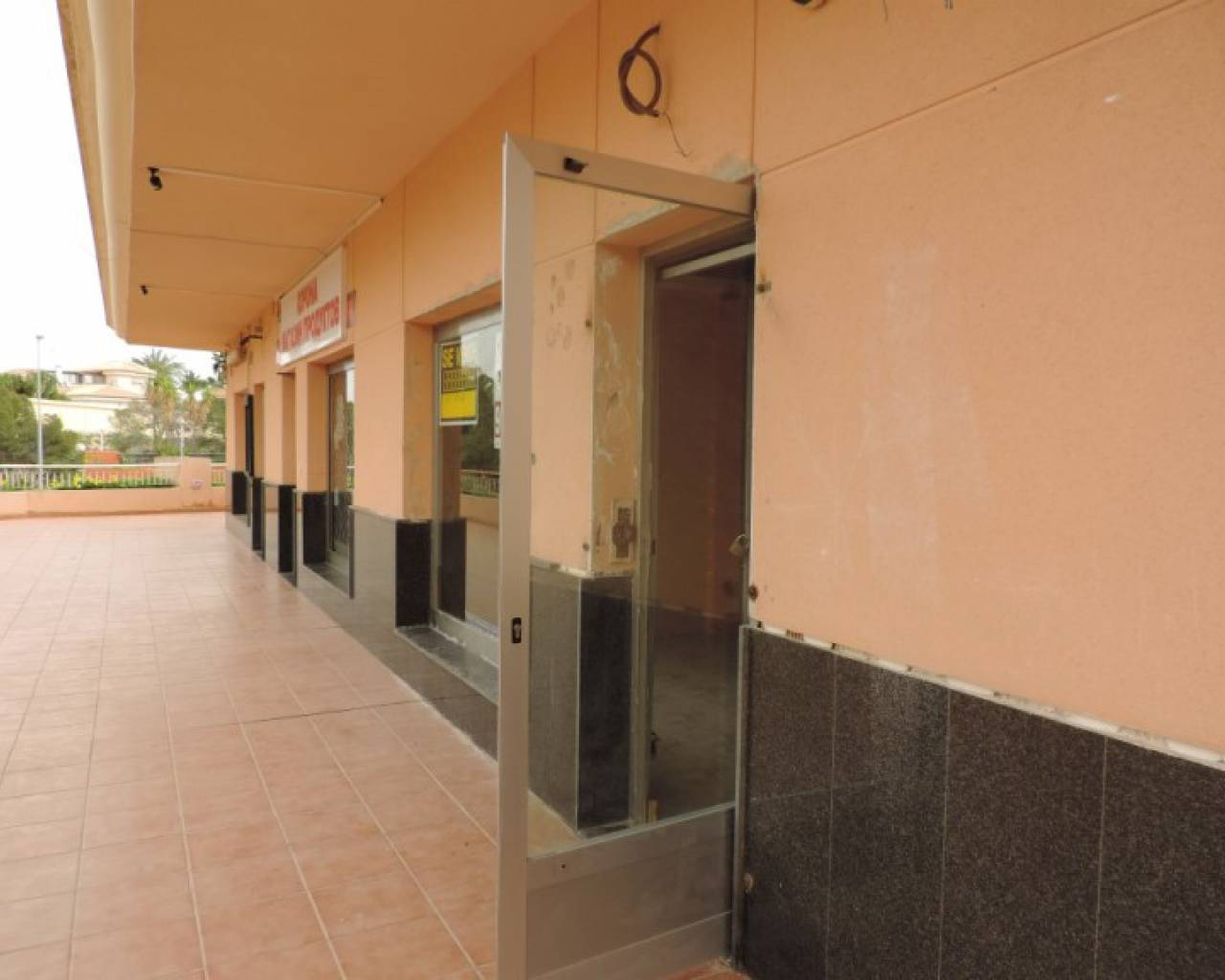 Commercial - Venta - Orihuela Costa - Playa Flamenca
