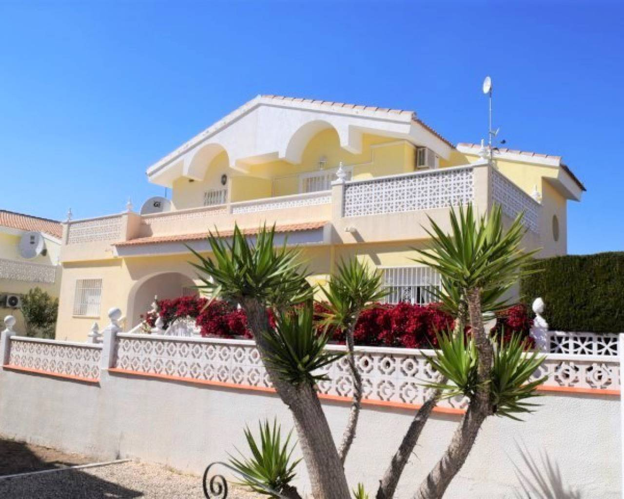 Semi Detached Villa - Venta - Alicante - Benijófar